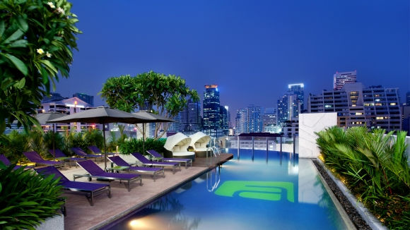 swimming pool bangkok